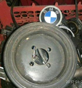 БМВ 3 Е 90шкив каленвала от мотора 2.0л