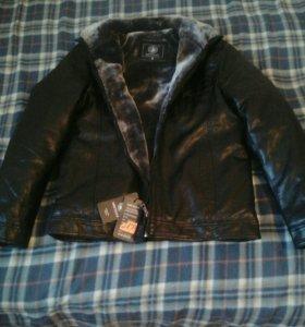 Куртка коженная ,мужская
