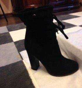 Замшевый ботинки