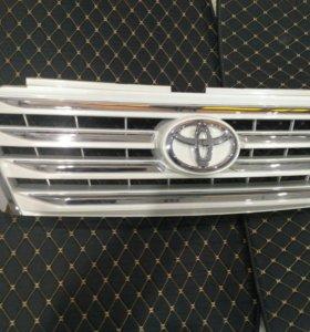 Решетка радиатора Toyota Land Cruiser Prado 150