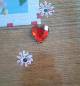 Рубин в виде сердца (не настоящий)