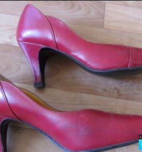 Туфли из натур.кожи по стельке 22-22,5 см