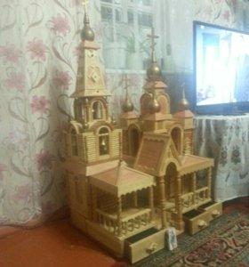 Храм из дерева полностью ручной работы