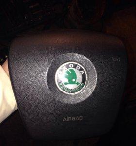 Подушка безопасность водителя со Шкода Фабия