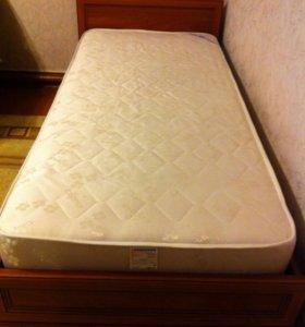Продам кровать с матрасом , состояние нового!