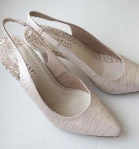 Женские туфли Carnaby