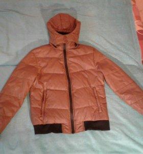 Продам  мужскую пуховую зимнюю куртку
