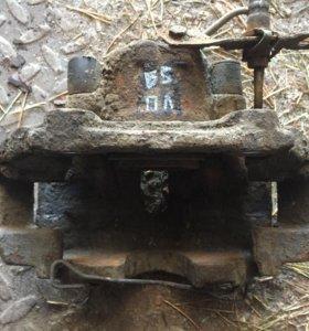 Суппорт передний левый фольксваген пассат Б5