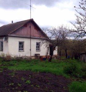Дом в черте города, 45 кв.м., участок 14 соток