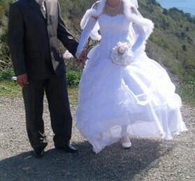 Свадебное платье и  мужской костюм