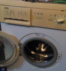 Вечная стиральная машина Zanussi