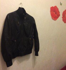Кожаная куртка (M)