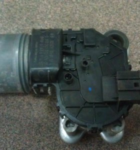 Моторчик стеклоочистителя передний  BMW X 3