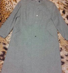Пальто шерстяное (новое)