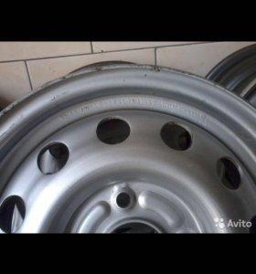 Штампованные диски R15