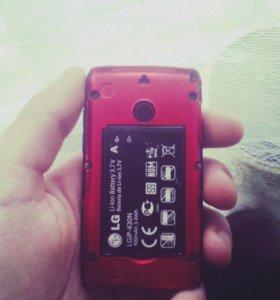 Продам телефонLG T-300