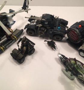 Набор солдатов с вертолетом и машинами