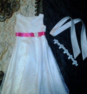 От 110 до 125 рост.Платье