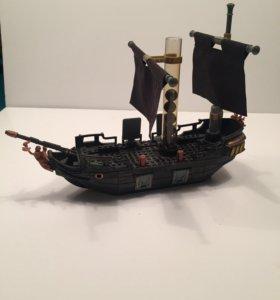 """Лего корабль """"Пираты Карибского моря"""""""