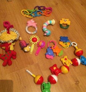 Погремушки, игрушки на коляску