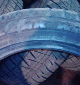 R18 255/45 Bridgestone Blizzak зима