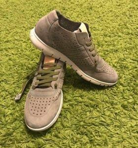 Новые кроссовки SLOW WALK