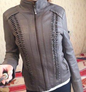 Кожаная куртка (женская)