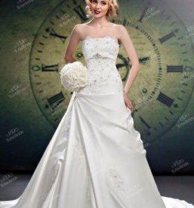 Счастливое свадебное платье to be bride А-силуэт