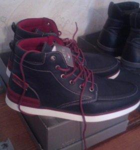 Новые  демисезонный ботинки