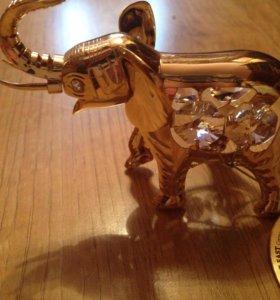 Сувенир новый, золотой слон