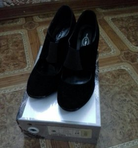 Женские туфли (замшевые)