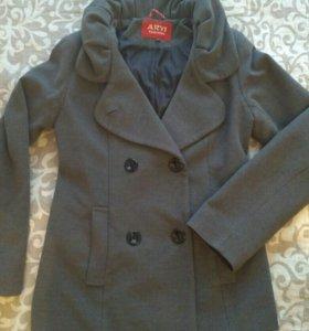 Осеннее пальто (размер 46)