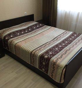 Двуспальная кровать с матрасом б/у
