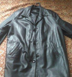 Мужские кож.куртки и плащ больших размеров.