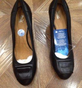 Новые кожаные туфли Ralf 38 размер