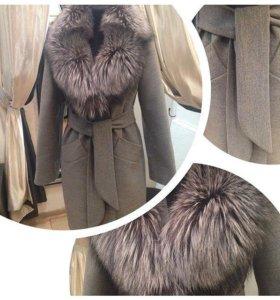 Зимнее шерстяное пальто с мехом чернобурки (46-48)