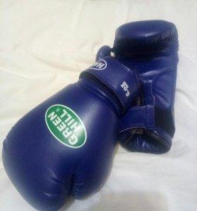Перчатки боксёрские, ласты, трубка для подводного
