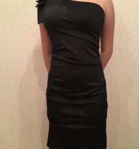 Платье, одевали 2 раза