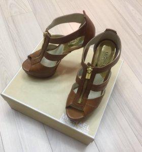 Туфли Босоножки Michael Kors новые кожаные
