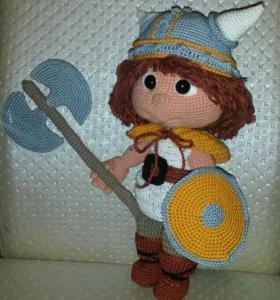 Малыш Викинг- вязаная игрушка