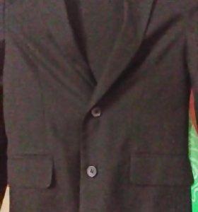 Костюм(пиджак и брюки).