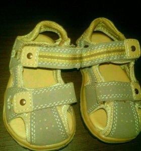 Детская обувь.