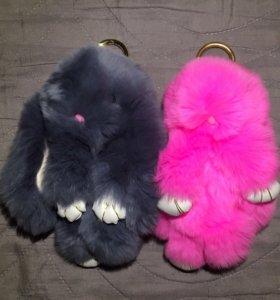 Кролики брелки из натурального меха
