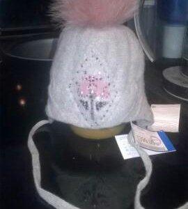 Новая теплая шапка для девочки