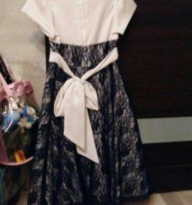 Платье праздичное на 6-8 лет
