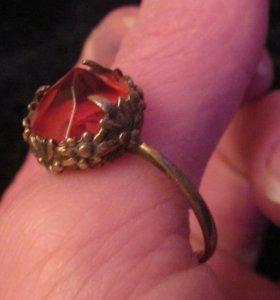Кольцо перстень.советское серебро