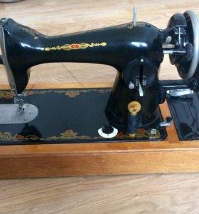 Швейная машинка Подольск 2-М
