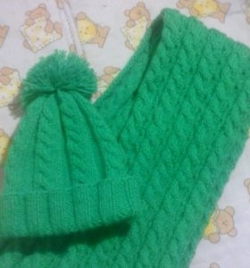 новый шапочка и шарфик ручной вязки