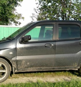 Автомобиль Chevrolet Suzuki Cruze
