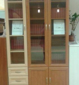 Книжные шкафы -пенал светлый